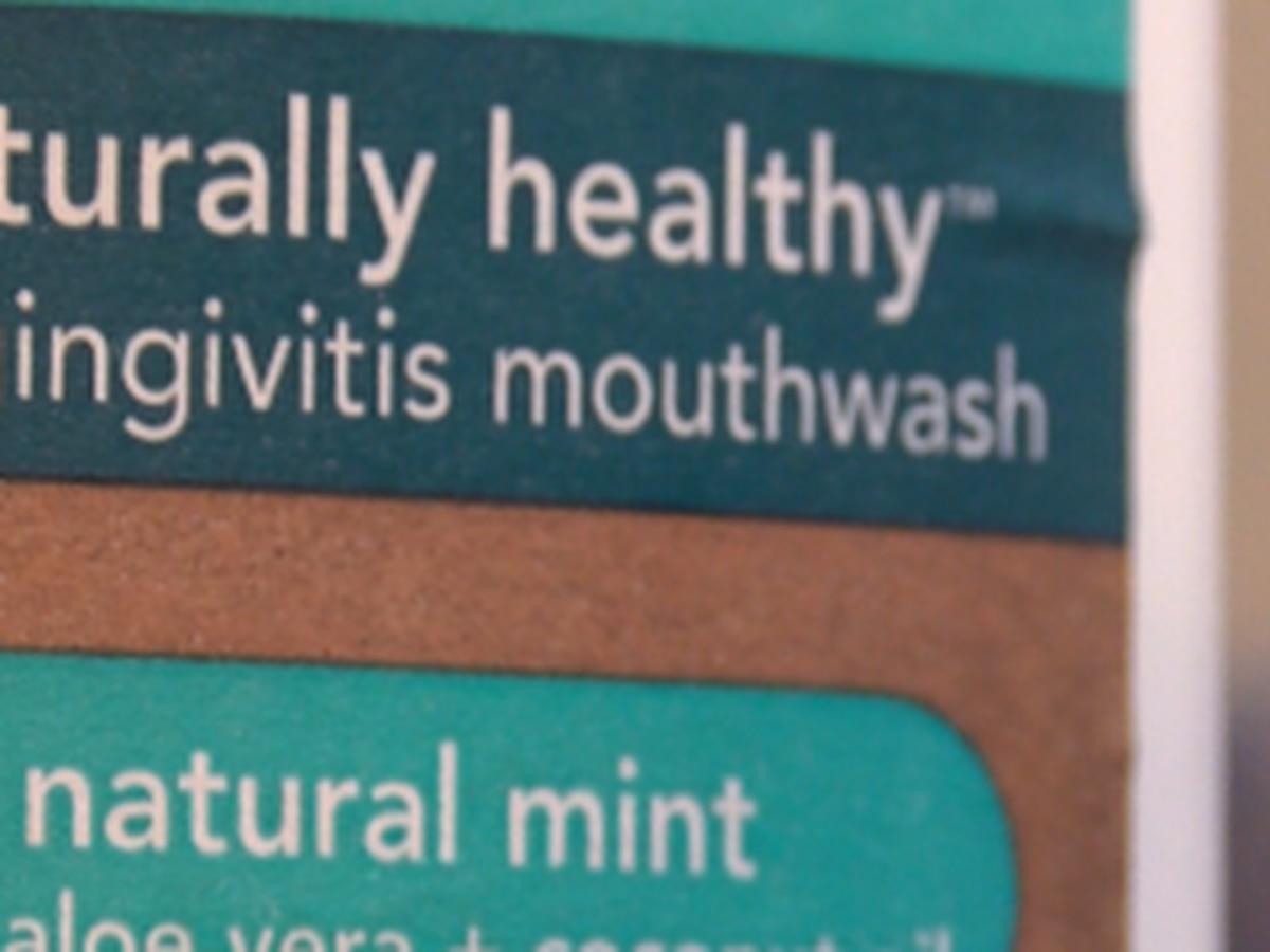 'Todavía está en su tracto respiratorio': mito del enjuague bucal de COVID-19, desacreditado