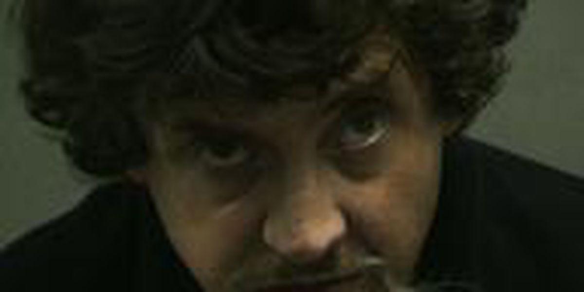 Hombre arrestado por cargos de vender heroína a agente encubierto