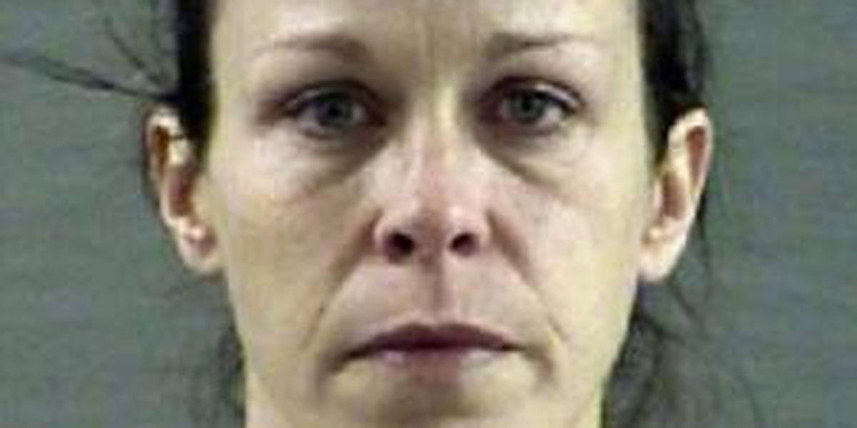 Policía de Amarillo busca a mujer fugitiva con plan de asesinato