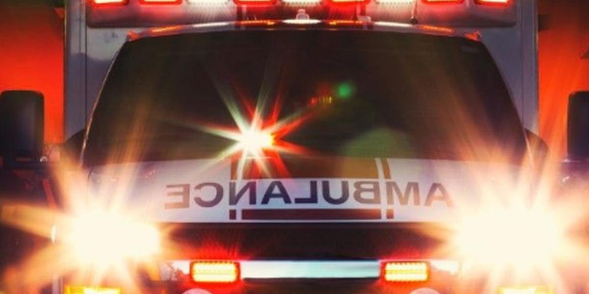 2 adultos muertos, 1 niño de 4 años hospitalizado después de choque