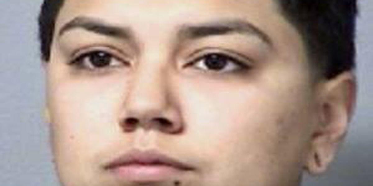 Crime Stoppers ofrece recompesa por pistas que conlleven al arresto de una mujer fugitiva