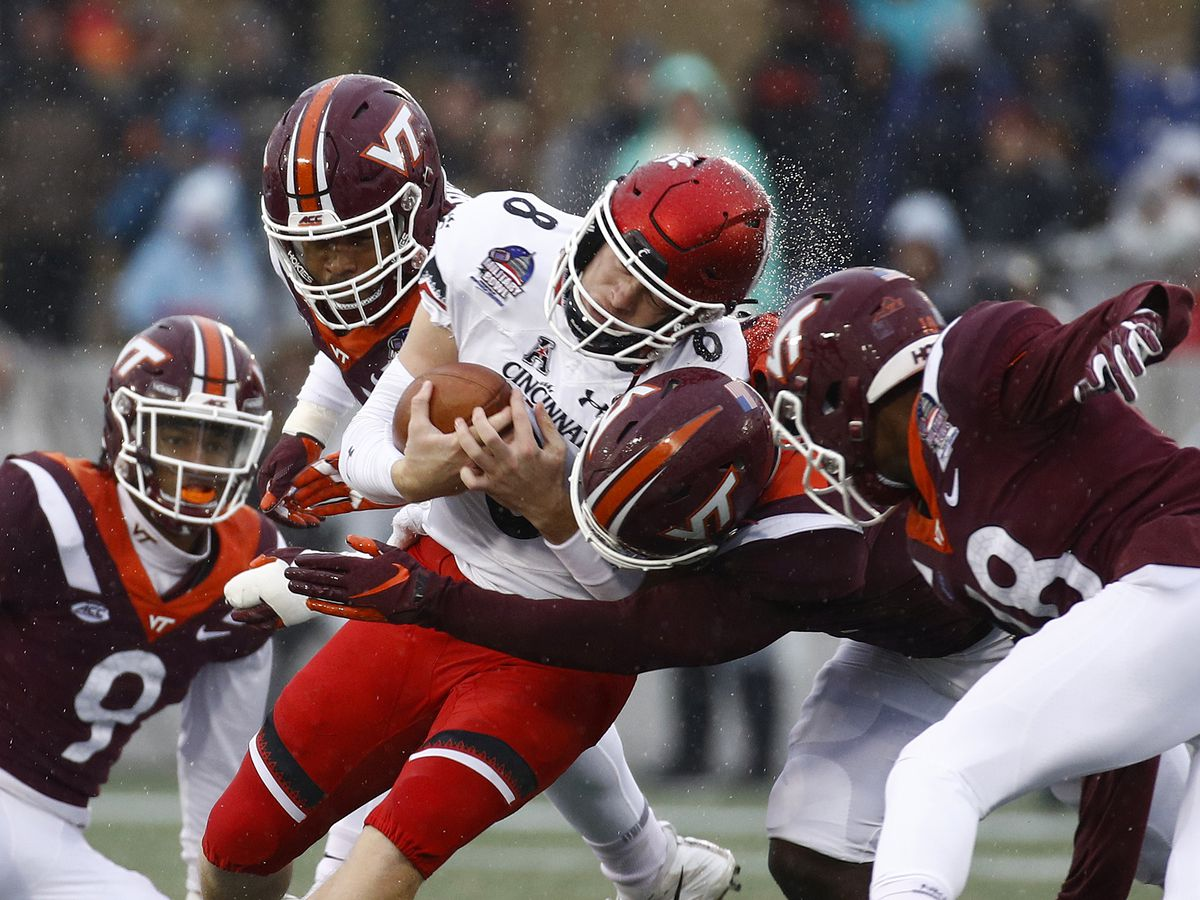 Cincinnati rallies past Virginia Tech 35-31 in Military Bowl