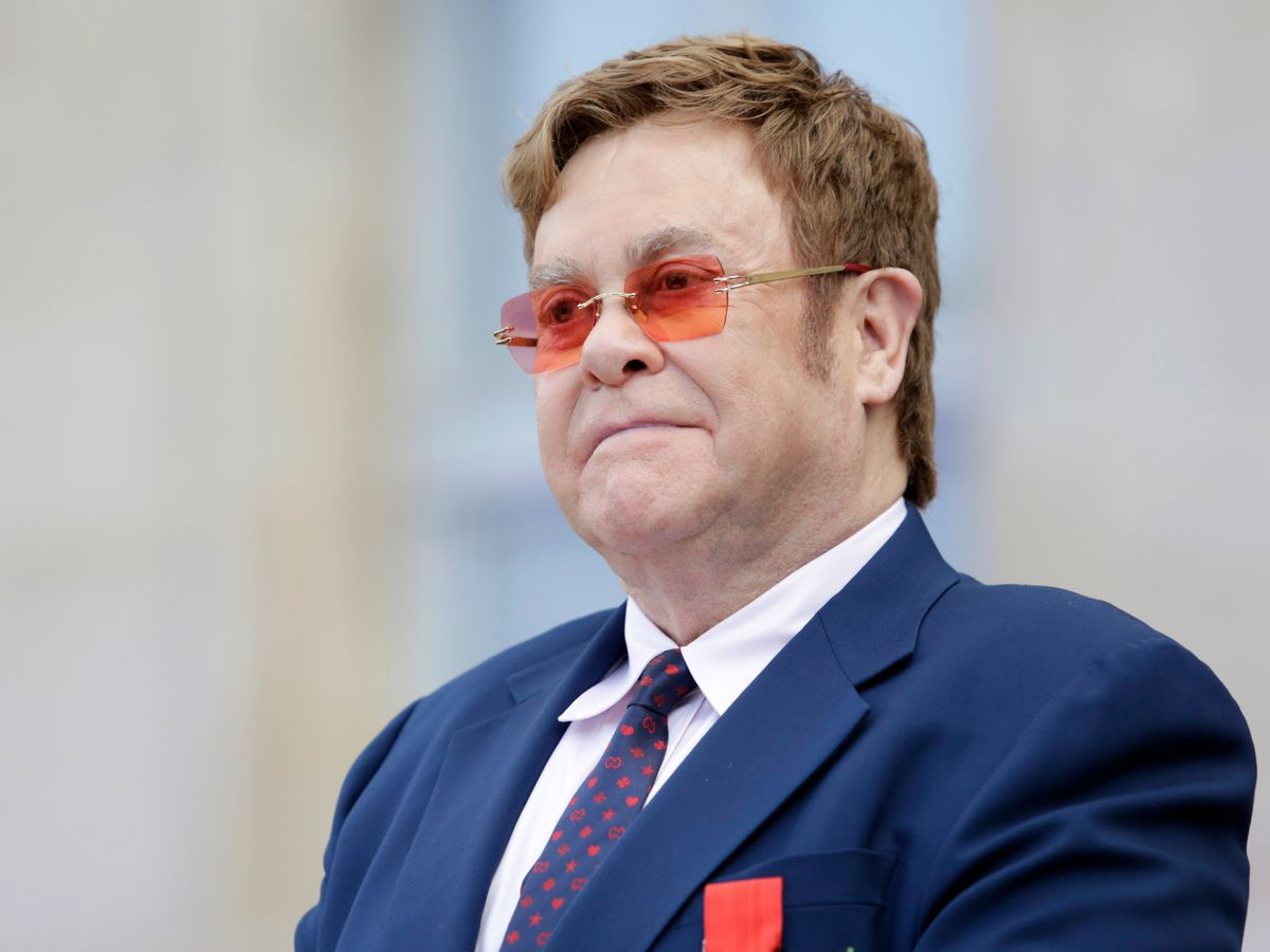 Elton John marks nearly 3 decades of sobriety