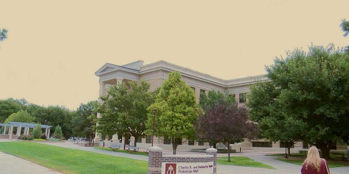 Estudiantes de Universidad West Texas A&M reciben beca financieras para poder continuar la universidad