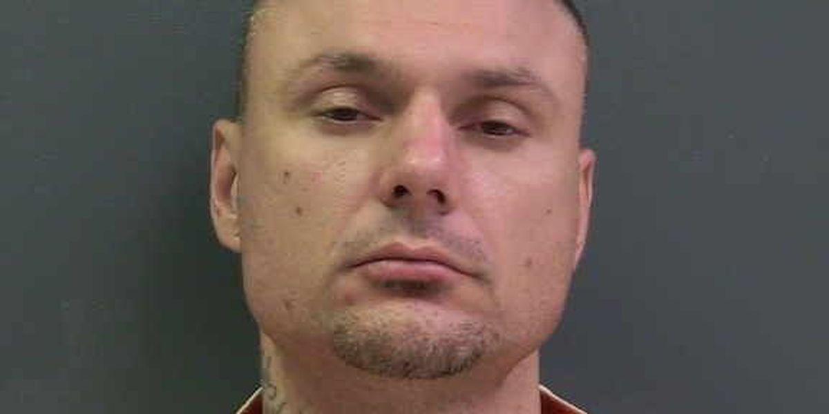Hombre arrestado por alojar a presos quienes escaparon de cárcel