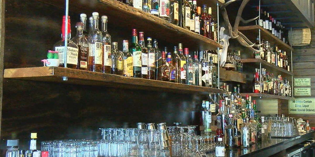 Doctores de Amarillo comparten si las personas deben dejar el alcohol al recibir la vacuna de COVID-19
