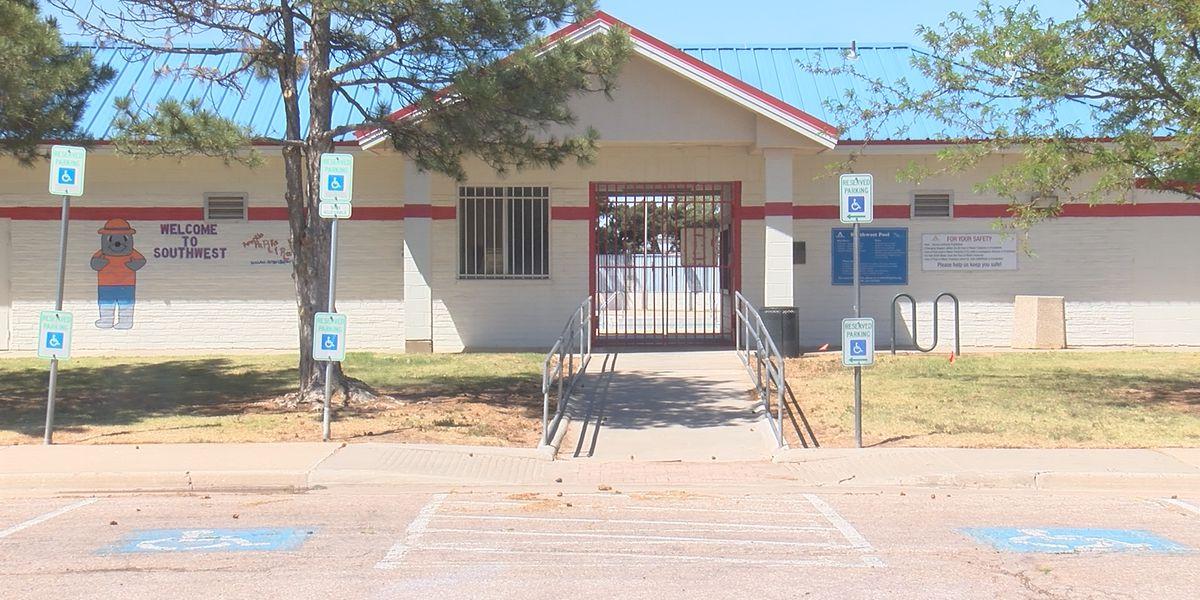Las piscinas de la ciudad de Amarillo abrirán a fines de mayo, pero aún buscan ocupar muchas posiciones