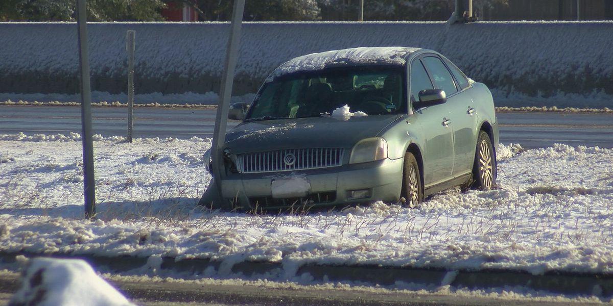 Las bajas temperaturas impactan a quienes terminan varados en la carretera