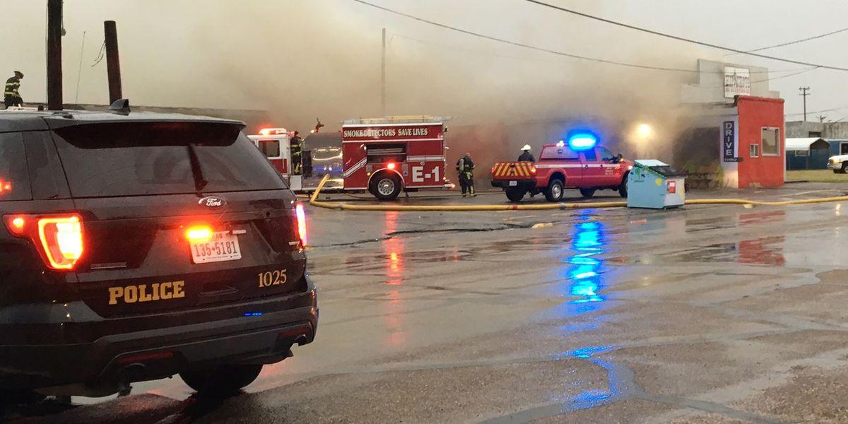 Investigación de incendio ocurrido en restaurante de BBQ de Borger