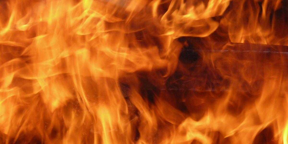 Incendio en apartamento causa miles de dólares en daños
