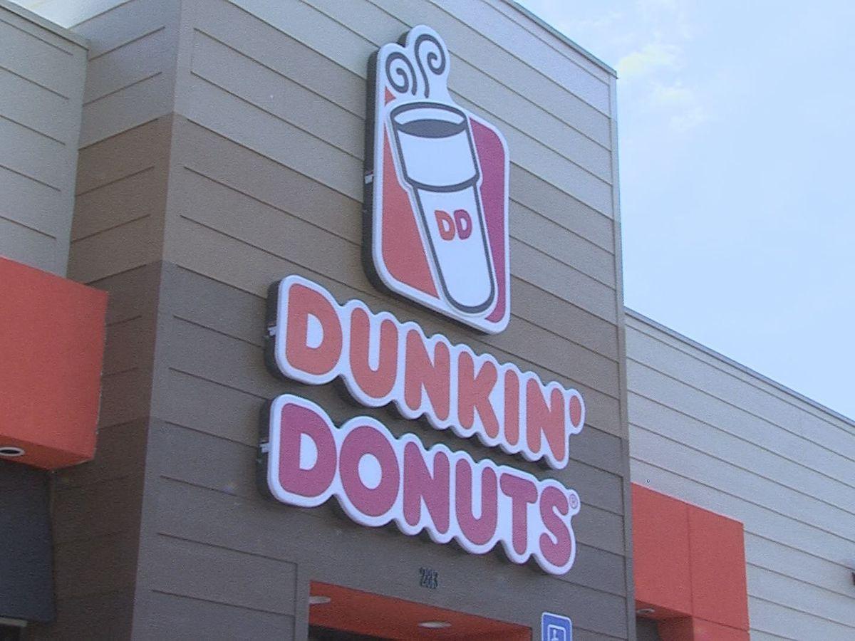 Agencias de la ley de Amarillo recaudando dinero para Olimpiadas Especiales en Dunkin' Donuts