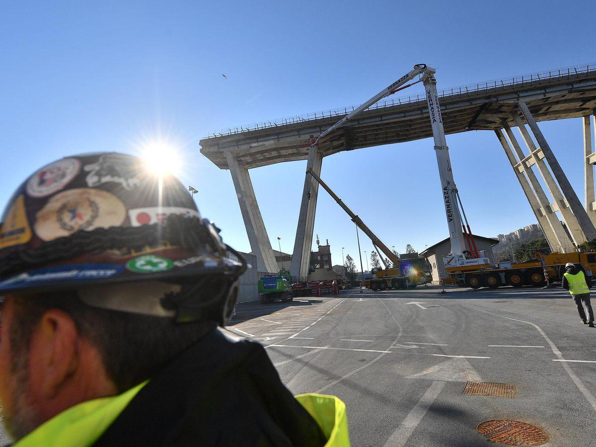 Genoa mayor says new bridge to be built by Christmas 2019