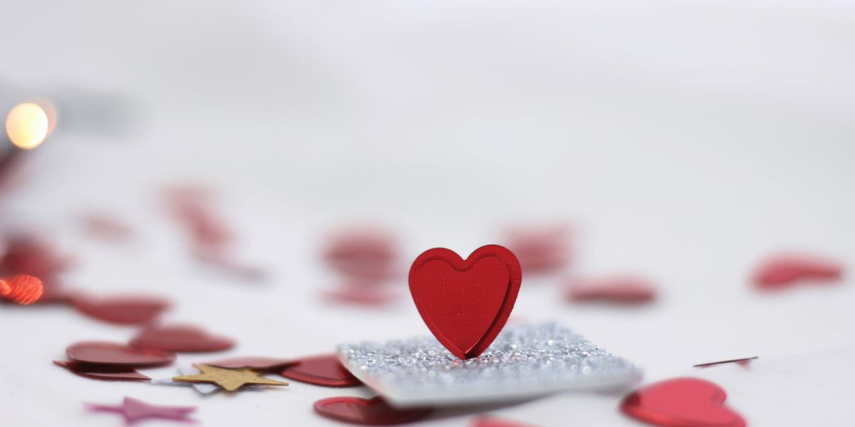 Agencia de mejores negocios advierte de estafas de romance