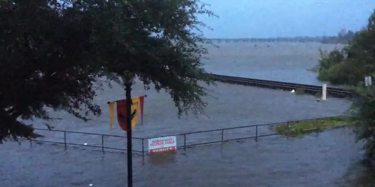 150 people awaiting rescue in New Bern, NC